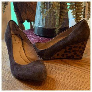 Lands' End  Suede Cheetah Print Wedges Sz 6